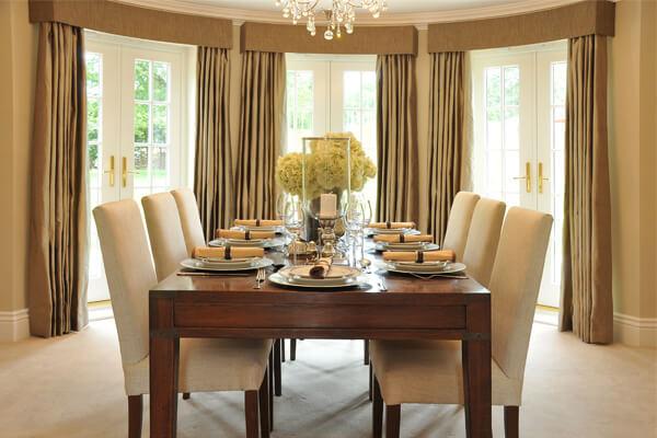 3 tipos de fixa o de cortinas de tecidos janela aberta for Tipos de ganchos para cortinas